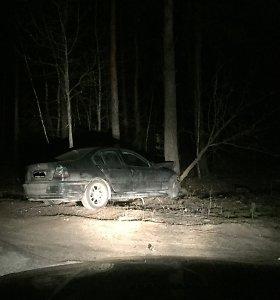 Vilniuje BMW sudaužęs vairuotojas spruko: apie naktines sūnaus linksmybes mama sužinojo tik ryte