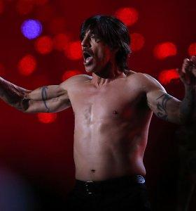 """Dėl Anthony Kiedis sveikatos bėdų atšauktas dar vienas """"Red Hot Chili Peppers"""" koncertas"""