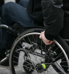 Neįgaliųjų organizacijos žeria priekaištus Sveikatos apsaugos ministerijai