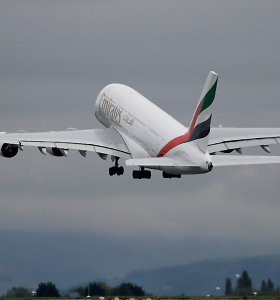 """""""Emirates"""" pradėjo trumpiausią milžino A380 maršrutą pasaulyje – net pamiegoti nebus laiko"""