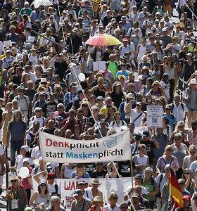 Išpūstą protesto dalyvių skaičių feisbuke iliustruoja 19 metų senumo nuotrauka