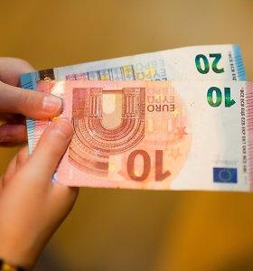 Premjeras: išmokos vaikams nuo sausio gali didėti iki 50–60 eurų