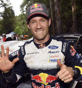 WRC: kengūros ir traktoriai nesustabdė Sebastieno Ogier