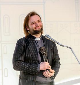 """Šv. Kristoforo statulėlę gavęs kun. Algirdas Toliatas: """"Tik amen norisi pasakyti"""""""