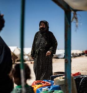 """Pareigūnas: kurdų valdžia iš """"Al-Hol"""" stovyklos paleis 800 sirų"""