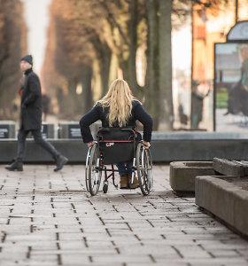 Po 15min straipsnio: neįgaliuosius technikos priemonėmis aprūpinančio centro direktorei – įspėjimas