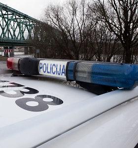 Kaune ant šaligatvio rastas 21-erių metų jaunuolio kūnas