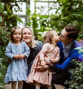D.Šafranauskė prisimena motinystės pradžią: savo dvynukių į rankas paimti negalėjo visą savaitę