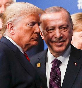 D.Trumpas susitiko su R.T.Erdoganu NATO viršūnių susitikimo kuluaruose
