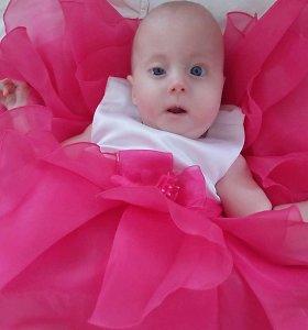 Šeima trejus metus gyvena tik viena diena: Elzė gimė su sindromu, su kuriuo išgyvena tik vienetai