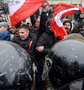 Sankt Peterburge sulaikyta dešimtys prieš V.Putiną protestavusių aktyvistų