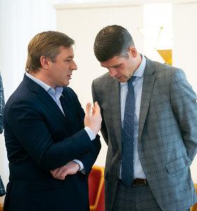 """Posto dalybos: R.Karbauskis prie stalo bandys sodinti R.Žemaitaitį ir """"tvarkiečių"""" atskalūnus"""