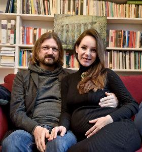 Paskutines nėštumo savaites skaičiuojanti aktorė Valda Bičkutė pravėrė namų duris ir atskleidė vaiko lytį