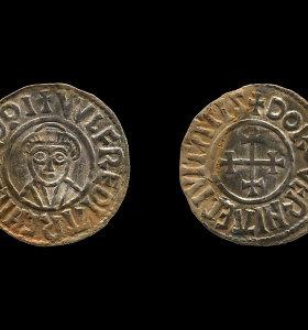 """JK nuteisti vikingų laikų lobį pavogę """"juodieji archeologai"""""""