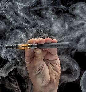 Tabako kontrolės specialistams nerimą kelia elektroninių cigarečių paplitimas tarp jaunimo