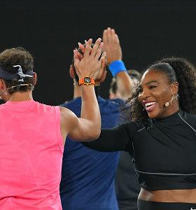 Labdaringas teniso žvaigždžių mačas Melburne