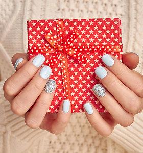 Kalėdinis manikiūras: 3 specialistės pasiūlymai, kaip dekoruoti nagus