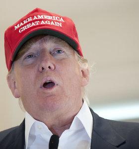D.Trumpas kritikuoja ispanakalbius, nors būtent jie siuva garsiąsias kepurėles