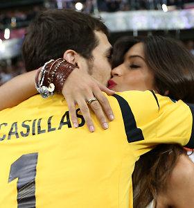 Širdies smūgį patyrusiam Ikerui Casillasui siūloma baigti karjerą