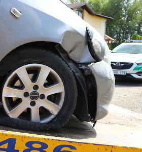 Policija sulaikė panevėžietį, įtariamą vairavimu išgėrus ir sukėlus avariją