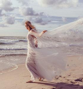 """Neseniai išsiskyrusiR.Labutytė fotosesijoje virto nuotaka: """"Suknelę išsirinkau, o progos teks palaukti"""""""