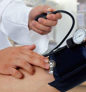 Idealus kraujo spaudimas 120 ir 80, o normų ribas pagal amžių pasitikrinkite lentelėje