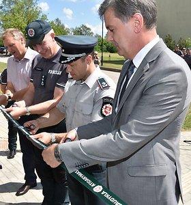 Atvertos rekonstruoto policijos komisariato Naujojoje Akmenėje ir sporto komplekso Telšiuose durys