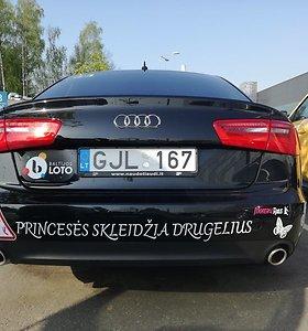 """Gražiausias""""Moterų ralio"""" automobilis: kaip atsirado drugeliais pasidabinęs """"Audi A6"""""""