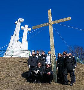 Teatro dienos proga – ketvirtasis kryžius ant sostinės Kryžių kalno