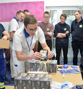 """Svečiuose pas darbdavį: studentai ir moksleiviai vieši """"Mars Lietuva"""""""