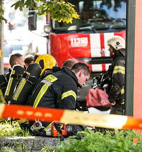 """""""Via Baltica"""" kelyje ties Kaunu padegtas ūkinis pastatas"""
