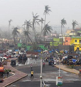 Ciklono Fani aukų Indijoje ir Bangladeše padaugėjo iki 42
