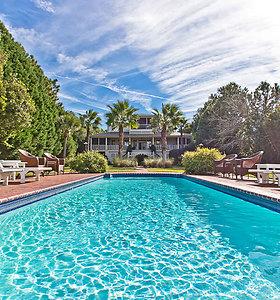 Sandra Bullock už 6,5 mln. dolerių parduoda atostogų vilą Džordžijoje