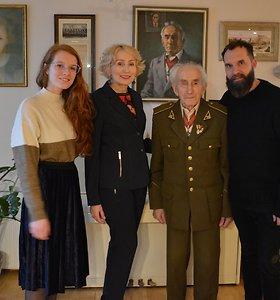 Angelė Jakavonytė su tėvu Juozu Jakavoniu–Tigru