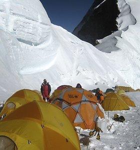 Everesto kronikos: 100 Editos Nichols nuotraukų nuo aukščiausio pasaulio kalno ir visas žygis nuo Katmandu iki viršūnės