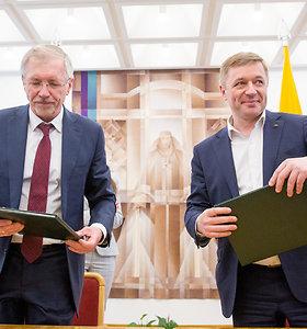 """R.Karbauskio valstiečiai pasirašė sutartį su G.Kirkilo socdarbiečiais: """"Kitos politinės alternatyvos nėra"""""""