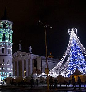 Vilniaus arkikatedros varpinės įžiebimas prieš pat naujuosius