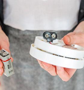 Dūmų detektorius bus privalomas: kaip namuose jį įsirengti