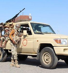 """Pentagonas patvirtino smūgį """"al Qaeda"""" pozicijoms Sirijoje"""