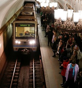 Maskvos metropolitene antrąkart per tris dienas strigo traukinių eismas