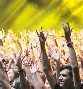 350 jaunuolių sudrebino Šiaulių areną – atliko visiems pažįstamus roko klasikos hitus