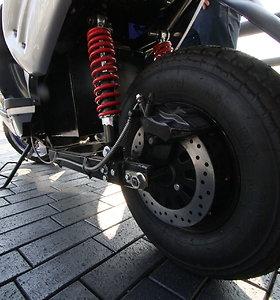 Elektrinio motorolerio bandymas
