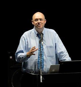 """Filosofas Grahamas Harmanas lankėsi  VU Filosofijos instituto surengtame simpoziume """"Agents of the real"""""""