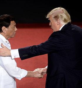 Filipinų prezidentas Rodrigo Duterte grasina nutraukti karinį paktą su JAV