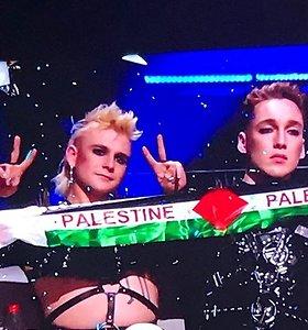 """""""Eurovizijos"""" finale – Islandijos atstovų akibrokštas: balsų skelbimo metu parodė Palestinos vėliavą"""