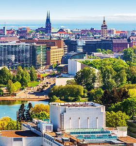 Gamtos pokštai Helsinkyje: šiemet nuo žiemos – tiesiai į vasarą