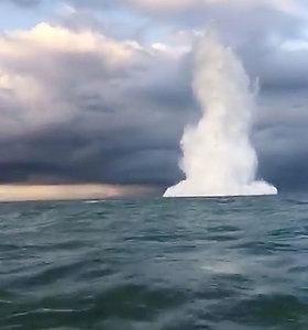 Karališkasis jūrų laivynas sunaikino XVII a. karo laive rastą Antrojo pasaulinio karo bombą