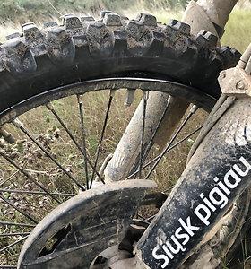 Balkanų ralyje lietuvių motociklininkai kovoja su nesėkmėmis