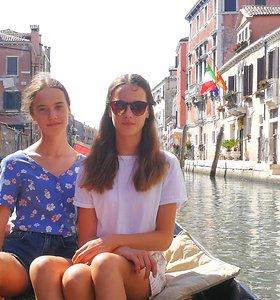 """Dvynės Saulė ir Auksė iš operos """"Saulė ir jūra (Marina)"""": dainavimas Venecijoje mus užgrūdino"""