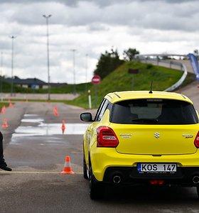 Geriausio vairuotojo paieškos: manevruoti atbulomis įkalnėje – ne visiems įveikiama užduotis